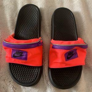 EUC Women's Nike sandals